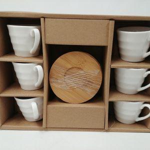 Dekorierte Tassen mit Untertassen 6 Stück - Küche und Bad